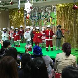 23-12-2016 Christmas Party  (15).jpg