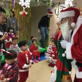 23-12-2016 Christmas Party  (18).jpg